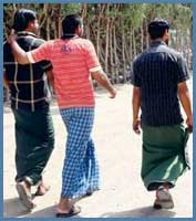cd36780e47 Indian Clothes -Indian lungis, lungi, How to Wear Lungi